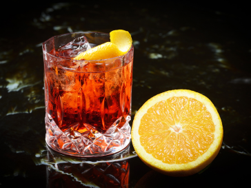 Negroni, cocktail, tipple, alcohol, delievry, melbourne, sydney, drink, 30 mins, fast, gin, campari, vermouth, sweet